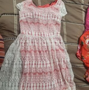 NWT Doe & Rae Coral Lace Dress with Cap Sleeves